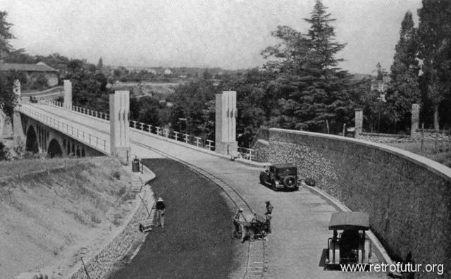 1932 - 1935: Building of mountain Highway Genova - Serravalle  (today A7) : Ponte sullo Scrivia