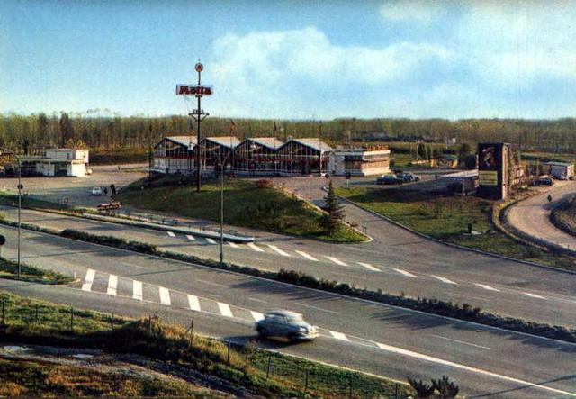 Cult of autogrill - Ahead of time : Somaglia (Autostrada del Sole)